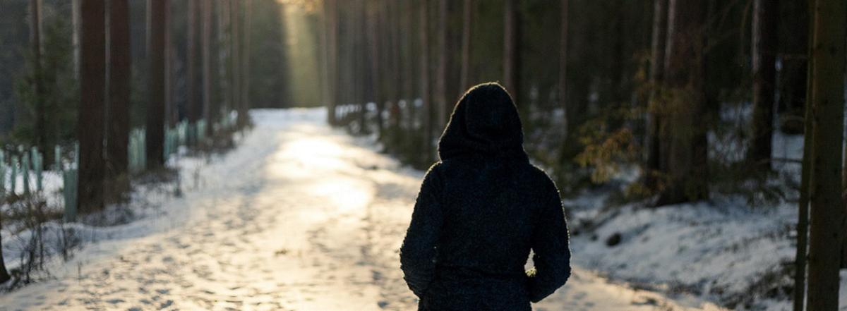 Kvinde i vinterskov