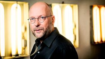 Henrik Føhns: Skal Danmark have et cyberhjemmeværn? : bør Danmark oprette et cyberhjemmeværn som svar på optrapningen i den kolde cyberkrig?
