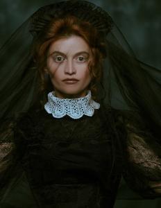 gotisk kvinde med sort slør